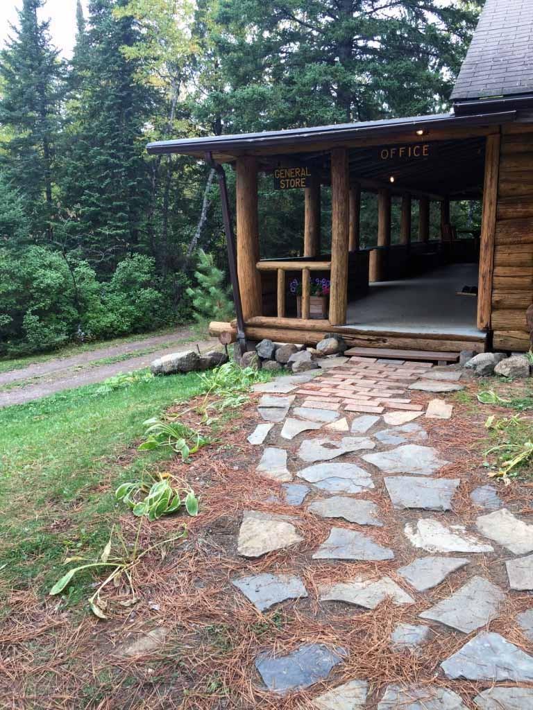 clearwater lodge walkway entrance